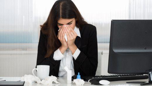 Взрослые тоже болеют. Знать, как вылечить насморк и простуду будет не лишним. Профилактика и лечение заболеваний очень простая. Читайте и запоминайте что делать