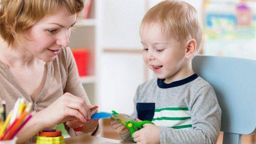 Услуги няни сегодня пользуются особым спросом. Следить за ребенком самому иногда очень сложно. Няня может в этом помочь. Завтрак, прогулки, обед, ужин - все это сделает за вас няня.