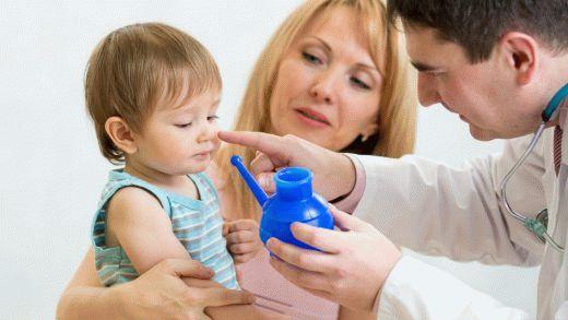 Грипп и орви боятся профилактики. Заболеть осенью легко, выздороветь сложнее. Учимся правильно промывать нос ребенку, без нанесения вреда.