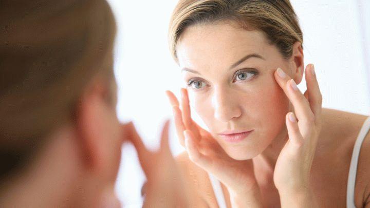 Лицо - это зеркало души. Уход за кожей непростая задача. Спасает косметика. Ухаживать можно используя маски, скрабы и кремы. Полезные советы для каждой.