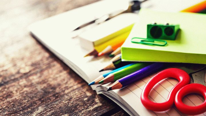 Сентябрь на носу. Школьная форма и канцелярия уже продается во всю на школьных ярмарках. Чтобы первые уроки прошли, как надо - нужно подготовиться.