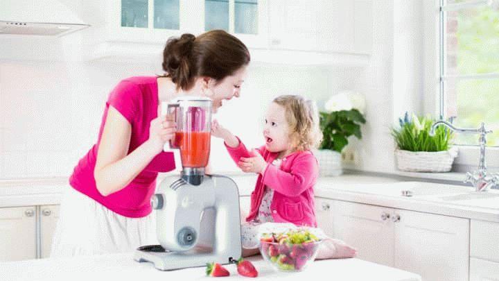 Стильные кухни - это желание многих хозяюшек. Интерьер кухни, кухонная мебель и правильное расположение - сделают вашу жизнь приятней. Все, что нужно знать - в этой статье.
